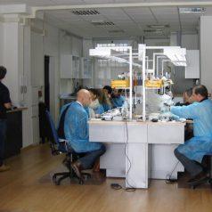 Coro annuale di Protesi dottor Andrea Ricci con la partecipazione del dottor Federico Ferraris. La sessione pratica nel Laboratorio Accioli e Puccini. 2010
